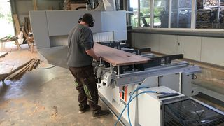 The CNC machining center Pro-Master 7225 at the HOLZHER reference customer Riedinger