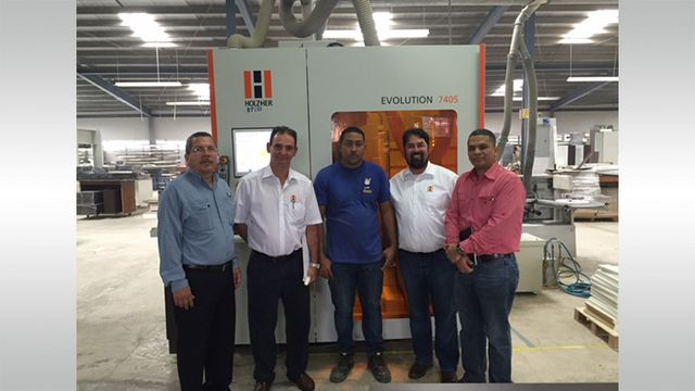 Satisfied reference customer: Komex from Panama with its vertical CNC machine EVOLUTION 7405