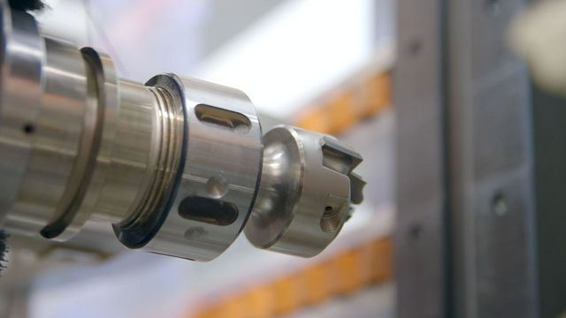 Complete machining on all 4 workpiece edges and surface